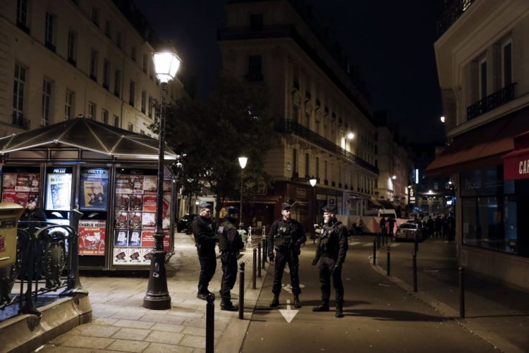 Atacante de Paris nasceu na Chechénia e os pais foram detidos