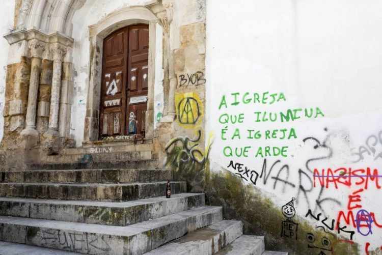 Câmara de Coimbra admite videovigilância para combater pichagens