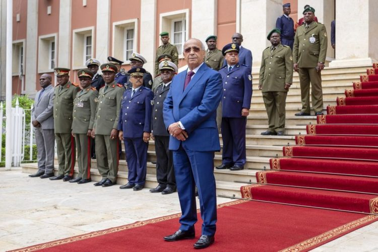 Ministro da Defesa de Angola elogia