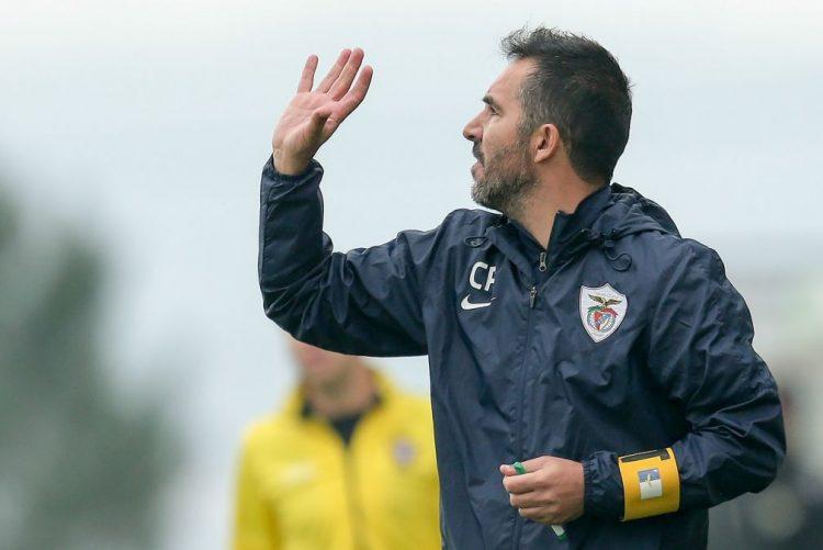 Carlos Pinto deixa comando técnico do Santa Clara após subida à I Liga