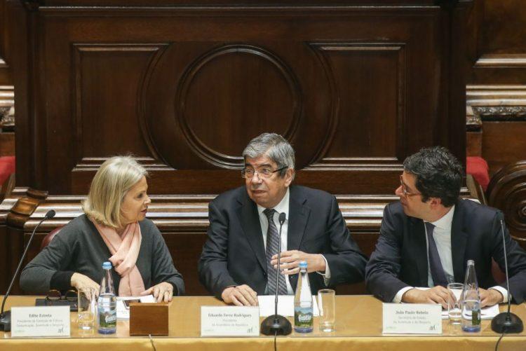 Ferro Rodrigues já retomou funções no parlamento após cirurgia pulmonar