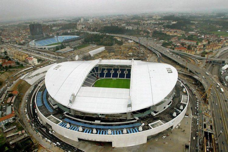 Treino aberto no último dia de trabalhos do FC Porto conta com cerca de 5 mil adeptos nas bancadas