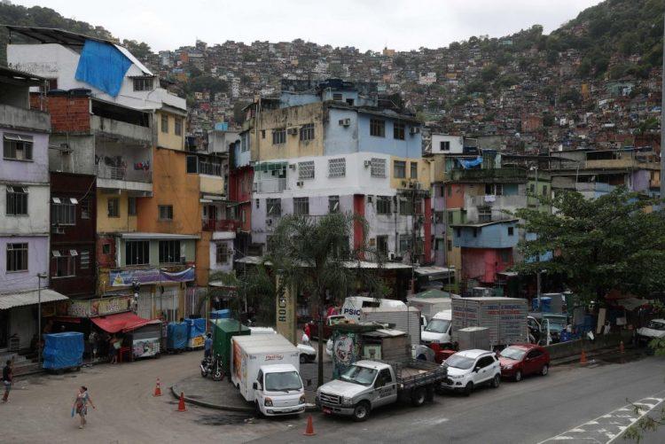Rio de Janeiro: Um morto e um ferido em novo tiroteio na favela Rocinha
