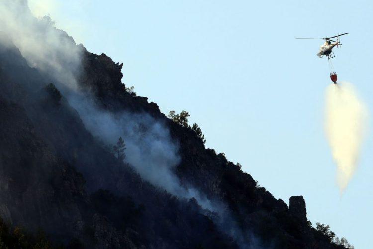 Treze dos 32 meios aéreos previstos para a atual fase de incêndios disponíveis desde hoje
