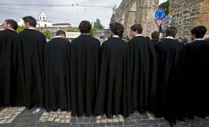 Redução de vagas avança em nove instituições de ensino superior de Lisboa e Porto