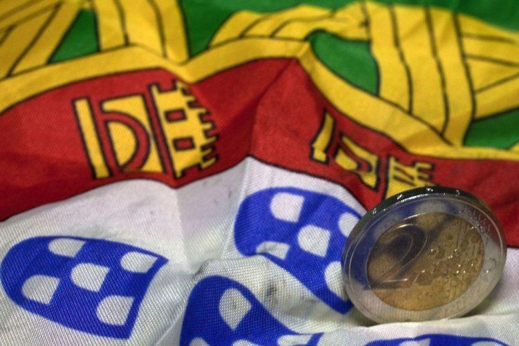 Portugal colocou 1.750ME a seis e 12 meses a juros de novo menos negativos