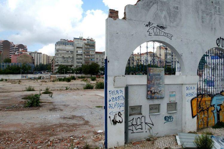 Câmara de Lisboa divide terrenos da antiga Feira Popular por três hastas públicas