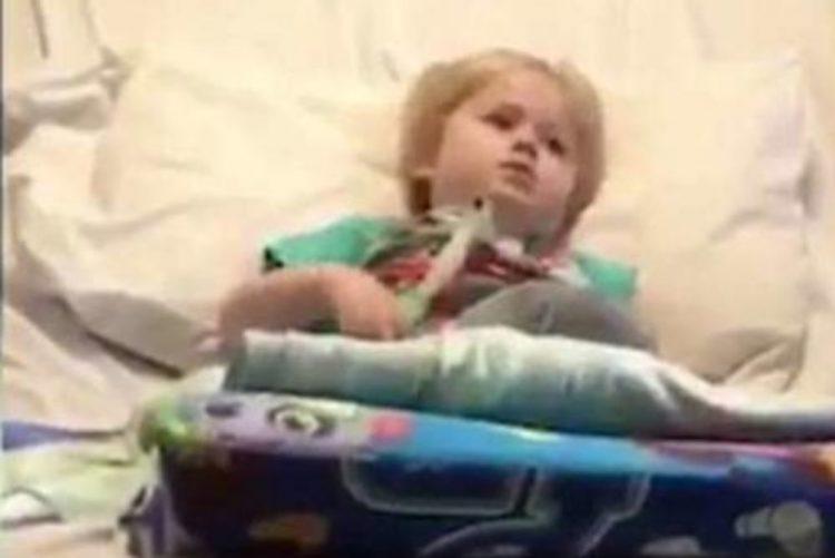 """Vídeo de """"cantoria"""" de menino de 3 anos em fase terminal comove o mundo"""