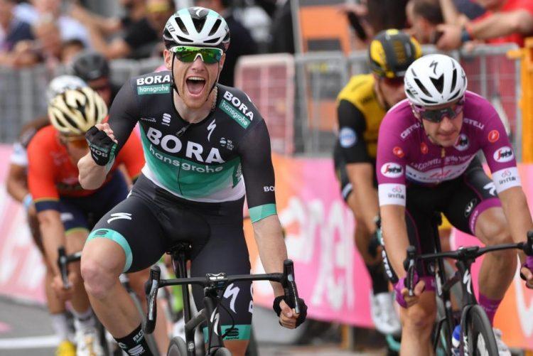 Giro: Sam Bennett conquista segunda vitória na prova, Simon Yates segue líder