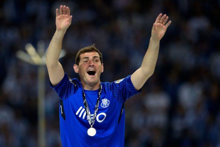 Iker Casillas confirma que fica mais uma época no FC Porto