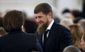 Quatro rebeldes e um polícia mortos em ataque a igreja ortodoxa na Tchetchénia