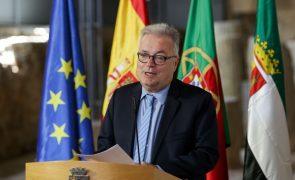Ministro da Cultura felicita representantes do cinema português no Festival de Cannes