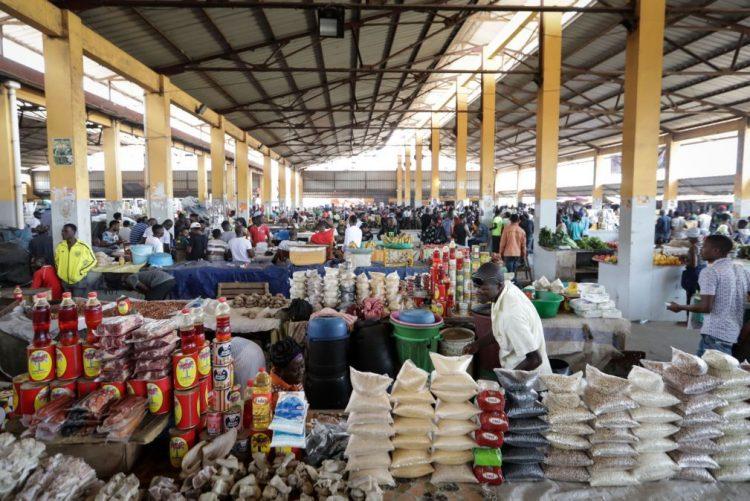 Angola vai crescer apenas 2% este ano devido à dependência do petróleo