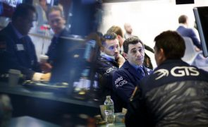 Wall Street sobe com desanuviamento na tensão comercial