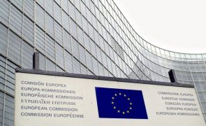 Portugal deve rever lei laboral para promover contratos permanentes, afirma Bruxelas