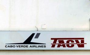 Trabalhadores cabo-verdianos dizem que reestruturação da TACV só beneficia Binter e Icelandair