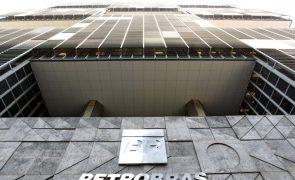 Ações da Petrobras caem mais de 10% devido à redução no preço do gasóleo