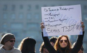 Mais de 1.500 técnicos diagnóstico em manifestação exigem equiparação a função pública