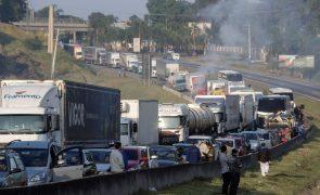 Indústria automóvel brasileira paralisada devido à greve dos camionistas