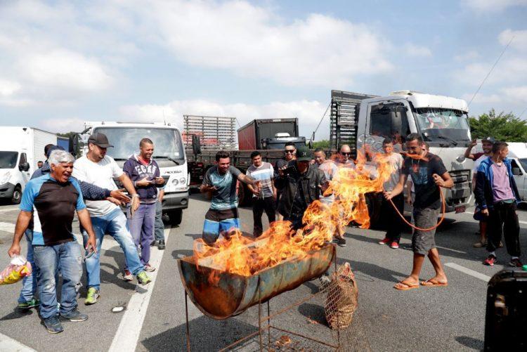 «Estado de emergência» devido a protestos contra preço de combustíveis
