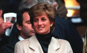 Diana avisa duques de Sussex Médiuns afirmam ter carta de Diana para Meghan e Harry