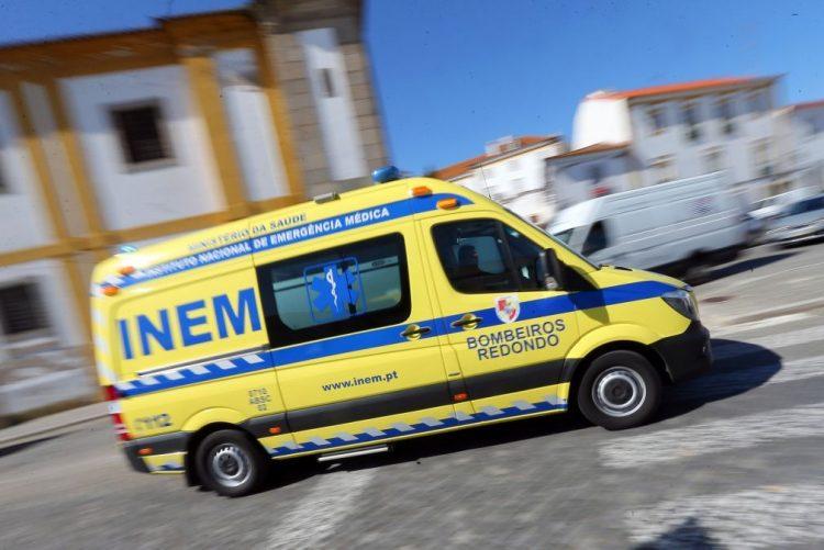 Maia: Posto de electricidade cai em cima de autocarro e faz dois feridos