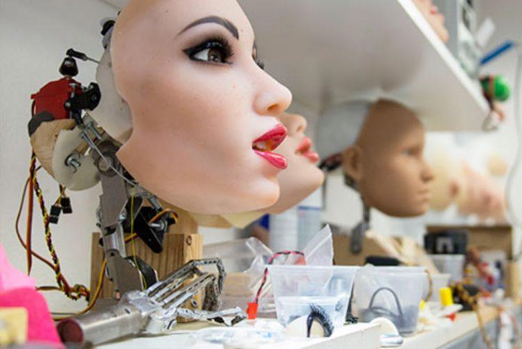 Primeiro robô sexual masculino chama-se Henry e faz 'maravilhas'