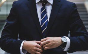 Macau desincentiva uso de casaco e gravata para poupar energia com ar condicionado