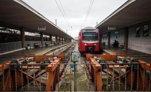 Greve CP: 40% dos comboios suprimidos até às 10h