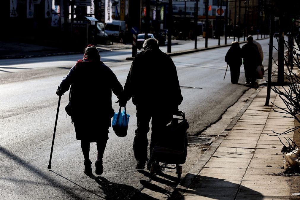 95 por cento das pessoas com mais de 65 anos sofre de catarata