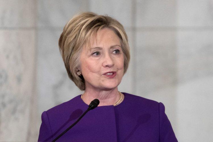 EUA/Eleições: Hillary Clinton diz que perdeu devido a ataque russo e e-mails