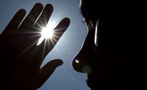 DGS alerta para temperaturas elevadas nos próximos dias e recomenda proteção