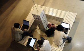Comissão Europeia cancela propostas de municípios a fundos europeus para rede 'wi-fi'