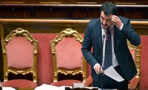 Itália interdita de novo o acesso de ONG que resgatam imigrantes aos seus portos