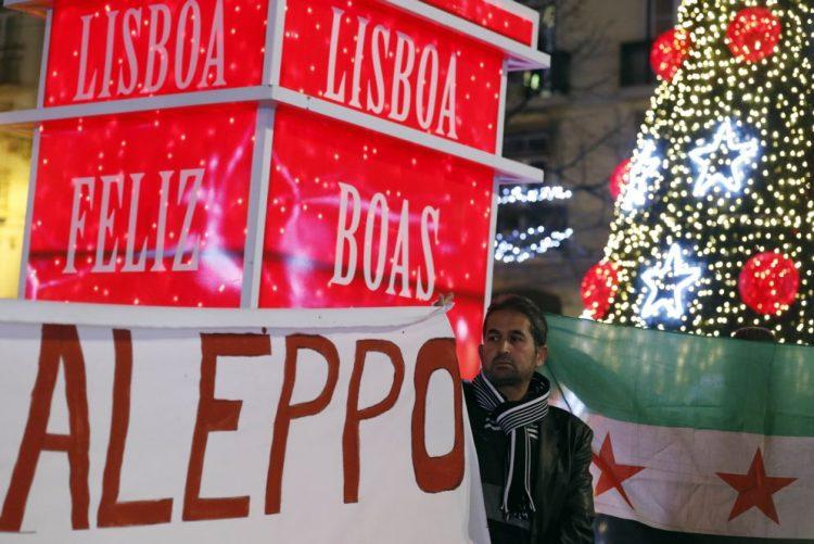 Manifestação pela cidade síria de Alepo reúne mais de meia centena de pessoas em Lisboa
