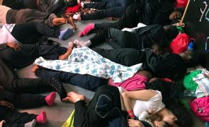Autoridades espanholas preparadas para receber no domingo migrantes do Aquarius