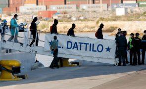 Primeiros migrantes a chegar ao porto de Valência têm mais patologias que o esperado