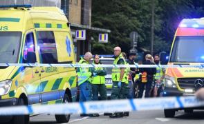 Última Hora: Homem dispara contra adeptos da Suécia e faz pelo menos cinco feridos