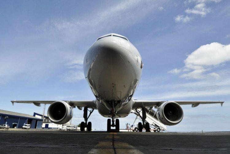 Avião cai a pique de 7500 metros porque o copiloto estava a fumar