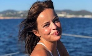 Ex de Carlos Cruz, Raquel Rocheta, foi de férias e está deslumbrante