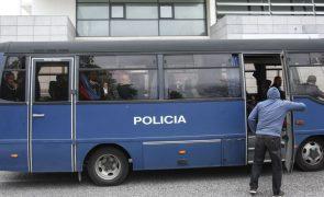 Polícias negam em tribunal agressões e insultos racistas a jovens da Cova da Moura