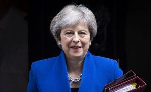 PM britânica diz que imagens de crianças separadas dos pais são