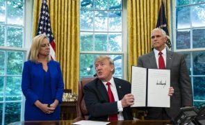 Estados Unidos vão deixar de separar crianças dos pais imigrantes na fronteira