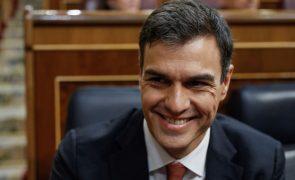 Pedro Sánchez recebe presidente regional depois de meses de crispação