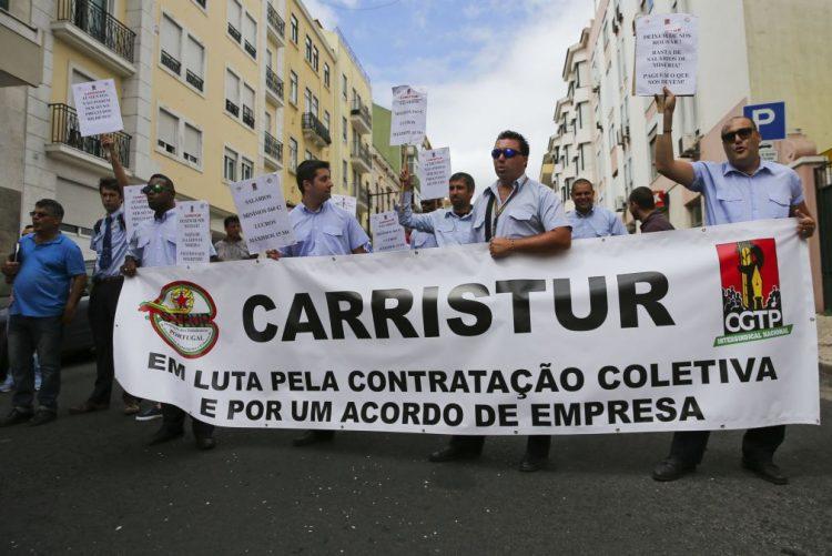 Trabalhadores da Carristur em greve no Natal e no Ano Novo pela reposição de salários