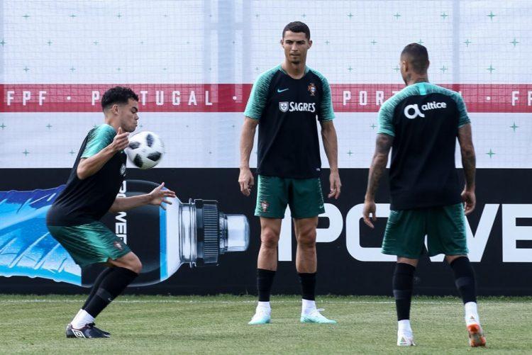 Portugal e três antigos campeões no arranque dos 'oitavos'