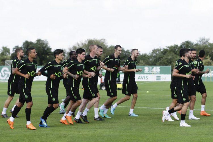 Sporting com cinco reforços entre os 30 futebolistas que regressaram ao trabalho