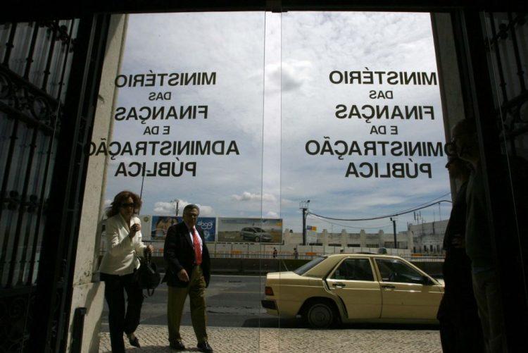Comissões de Finanças e Modernização Administrativa aprovaram integração de 282 precários