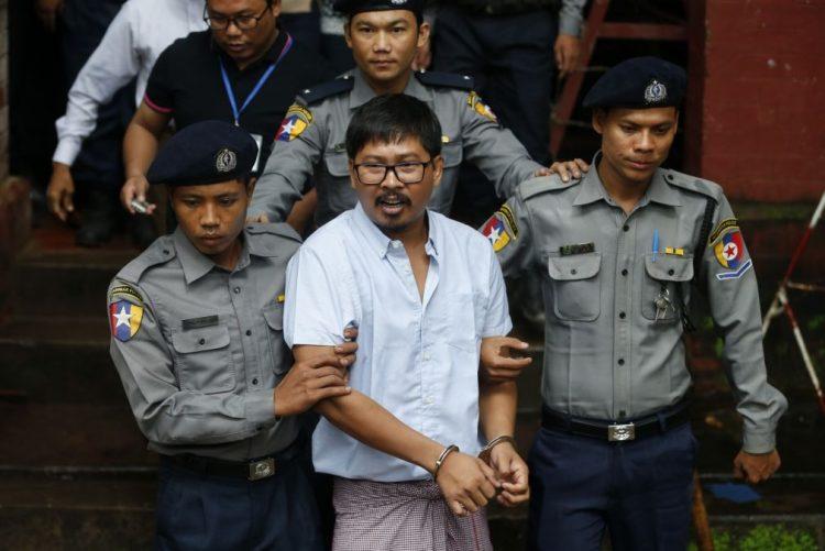 Justiça birmanesa mantém julgamento dos dois jornalistas da Reuters