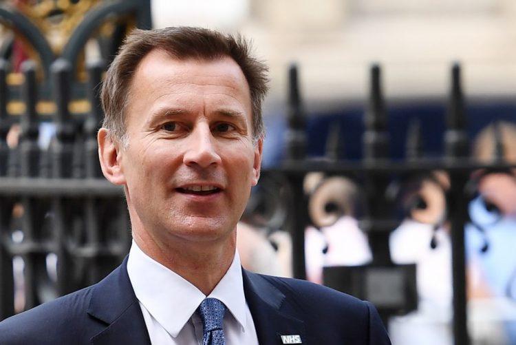 Ministro britânico da Saúde nomeado para os Negócios Estrangeiros